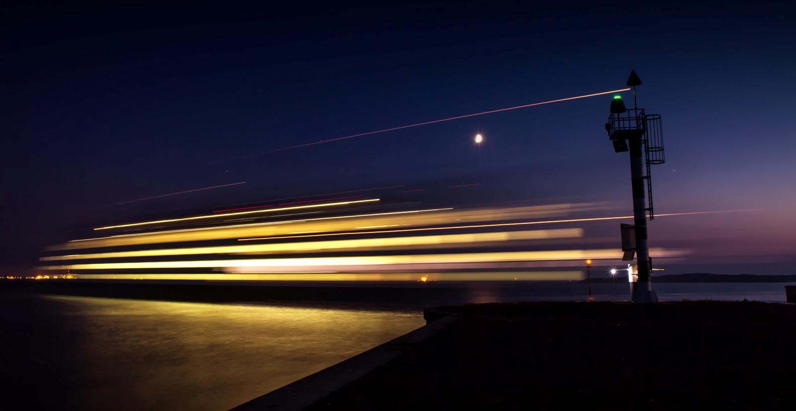 De veerboot vertrket vanaf Texel, 30 sec belicht / The ferry leaves from Texel, 30 sec exposed