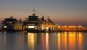 Mooi verlichte Tesohaven op een windstille nazomer avond, 20sec belicht / Port of TESO on a windless summer night, 20 sec exposed