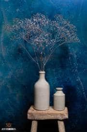 Silver Gypsophila with blue steel-wall / justinsinner.nl