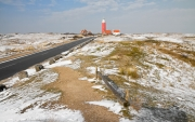 Texelse vuurtoren in een winters landschap / Texel lighthouse in a winter landscape