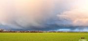 Dreigende wolken naderen het Texelse Dorp den Hoorn / Threatening clouds are approaching village of den Hoorn on Texel
