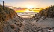 Zonsondergang strand van paal 9 op Texel / Sunset on Texel beach, pole 9