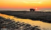Zonsondergang op het strand van Paal 17 op Texel / Sunset at Texel beach on paal 17