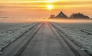 Zonsopkomst boven de Waddendijk / Sunset above the Wadden dyke on Texel
